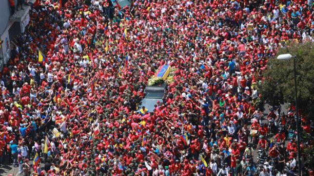 El ataúd paseado por Caracas no contenía los restos de Hugo Chávez