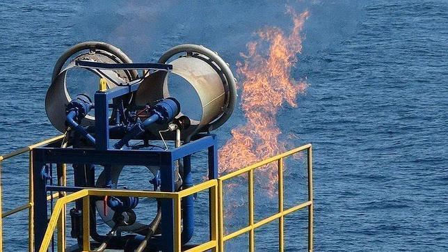 Japón extrae con éxito hidrato de metano del lecho marino