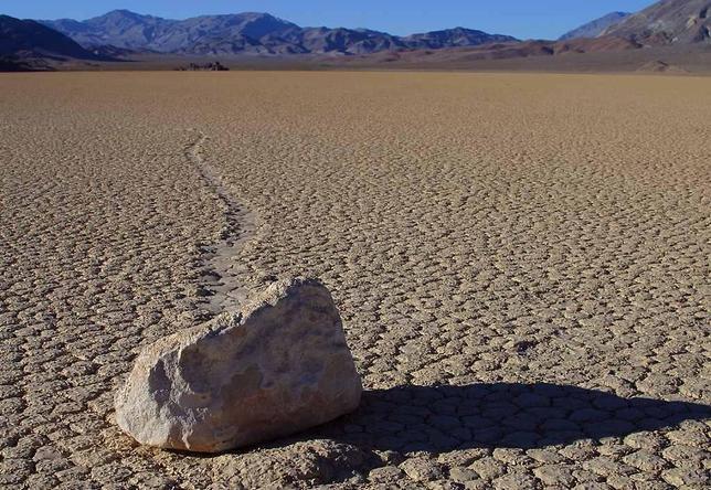 ¿Cómo se mueven solas las piedras reptantes del Valle de la Muerte?