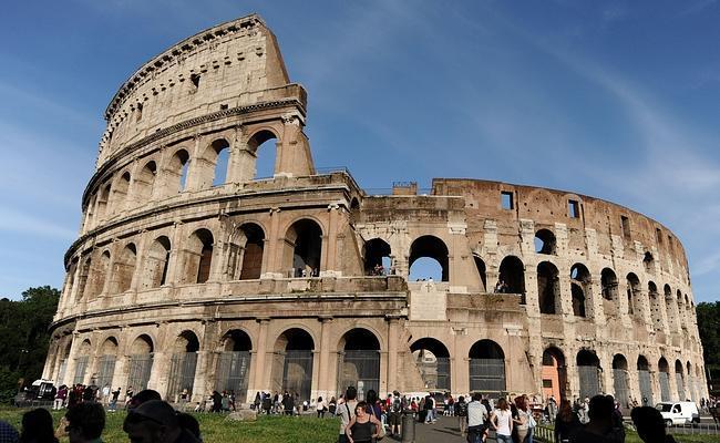 La restauración del Coliseo empezará en días tras dos años de retraso, ¿o no?