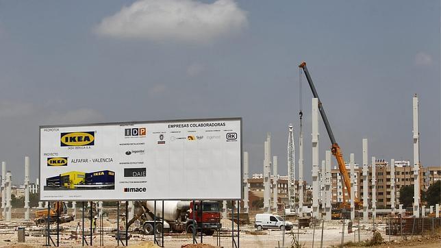Ikea levanta los pilares de su tienda en Alfafar