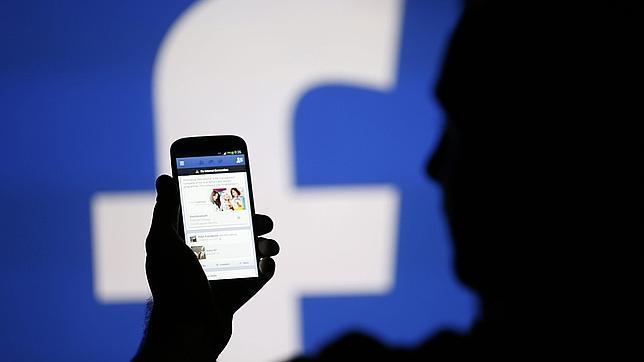 Facebook permitirá el uso compartido de álbumes de fotos