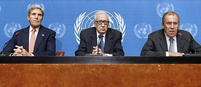 Kerry y Lavrov tratarán de fijar la fecha de la cumbre de paz para Siria en una próxima reunión