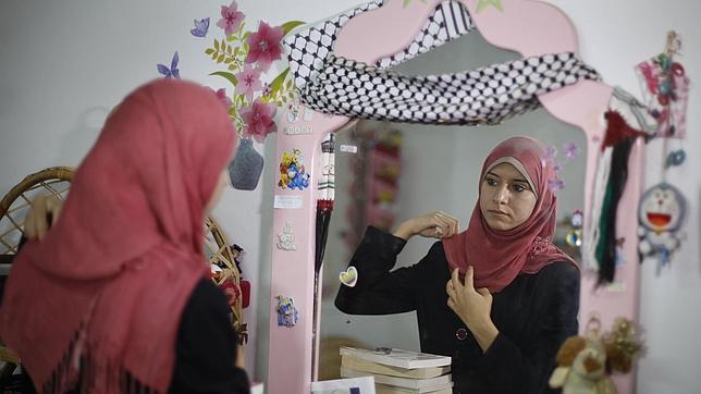 Hamás nombra como portavoz a una chica de 23 años que estudió en el Reino Unido