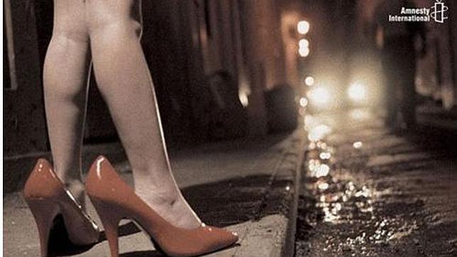«Niñas prostitutas» por una recarga de móvil