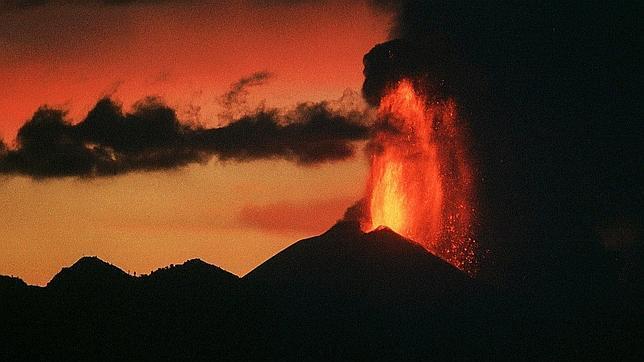 Declaran la alerta naranja en Guatemala por la erupción del volcán Pacaya