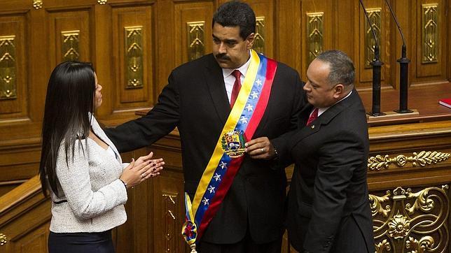 Maduro sigue sin poder ocupar la residencia presidencial porque las hijas de Chávez no se van