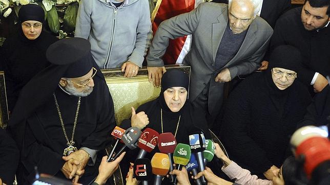 Siria libera a 150 presas a cambio de las 13 monjas secuestradas