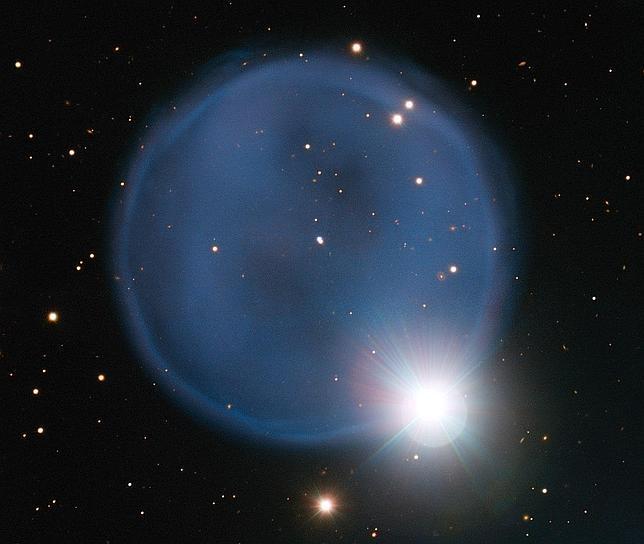Un «anillo de diamantes» brilla en el cielo