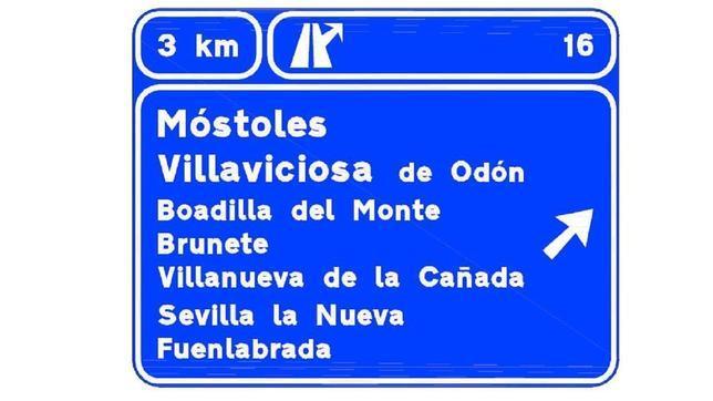 Cartel ampliado con información sobre las ciudades a las que se accede por una salida