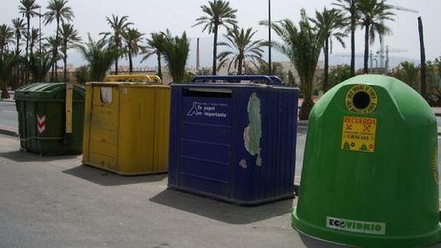 Resultado de imagen de contenedores reciclaje