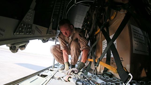 Estados Unidos bombardea el Estado Islámico cerca de Arbil y la presa de Mosul