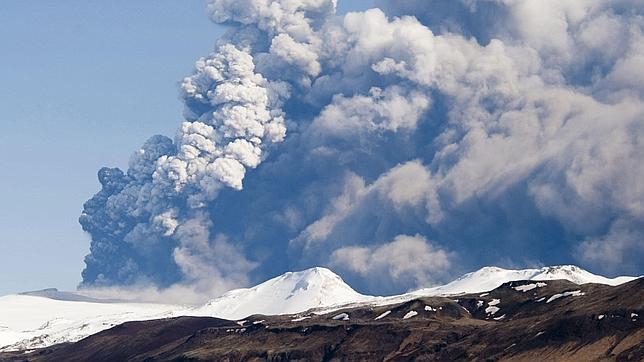Islandia prohíbe el tráfico aéreo sobre el volcán Bardarbunga tras su entrada en erupción