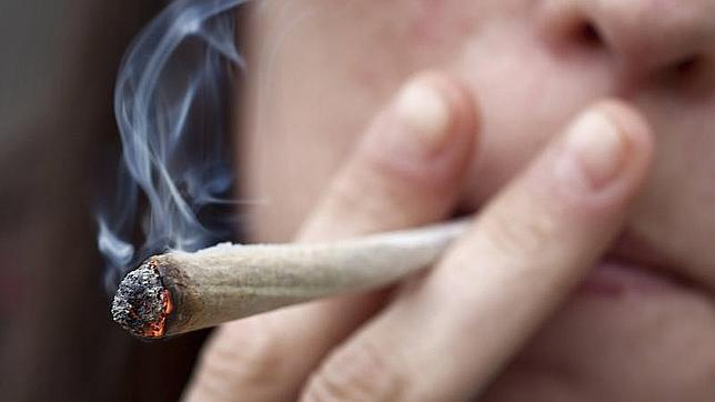 Las parejas casadas que fuman cannabis juntas sufren menos violencia doméstica