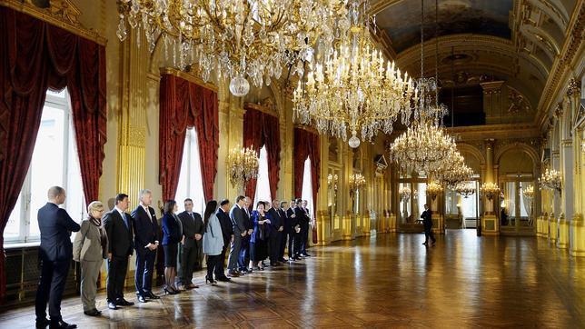 El Rey De Blgica Nombra Primer Ministro Del Pas A