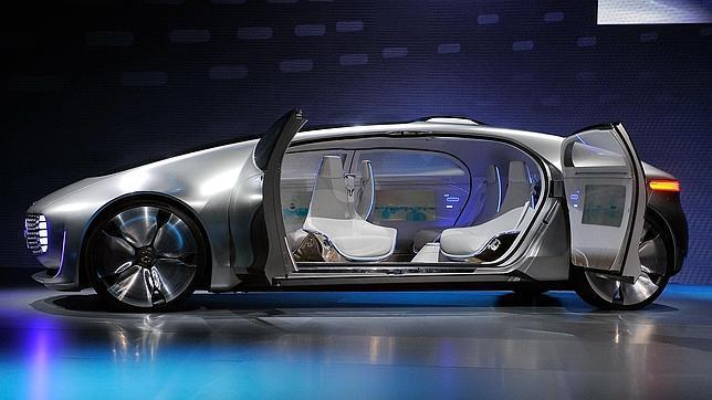 Muchos «wearables» y coches inteligentes: hacia la excesiva dependencia del móvil