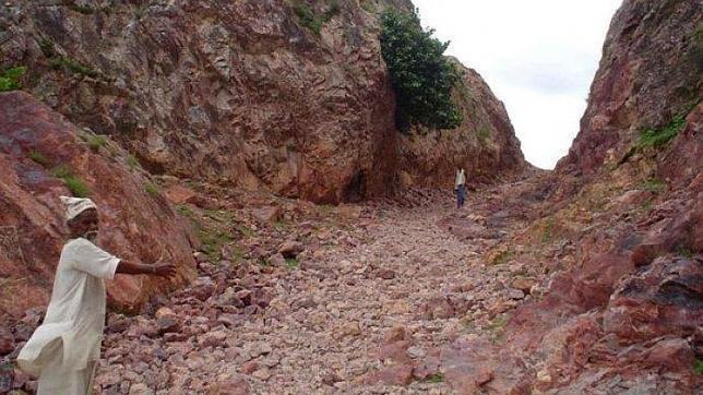 El hombre que movió una montaña para acercar un hospital a su pueblo