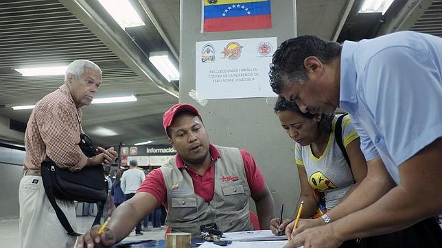 Maduro amenaza con una revuelta mundial si EE.UU. lo saca del poder