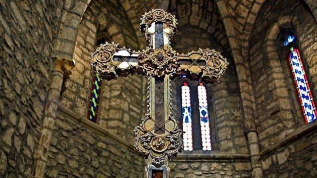 Resultado de imagen de Lignum Crucis de Santo Toribio de Liébana