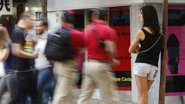 Los clientes que recurren a la prostitución en Madrid son cada vez más jóvenes