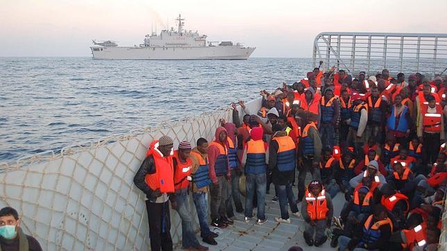 https://i2.wp.com/www.abc.es/Media/201504/23/inmigrantes-italia--644x362.jpg