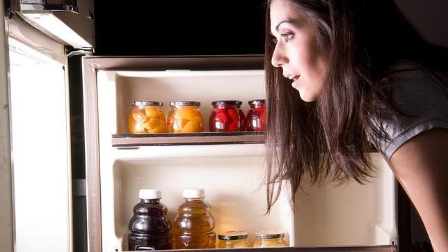 La explicación científica al hambre que sientes en mitad de la noche