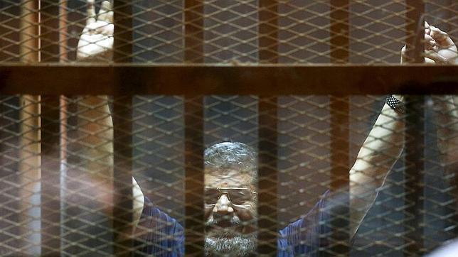EE.UU. se muestra «profundamente preocupado» por la condena a muerte a Mursi