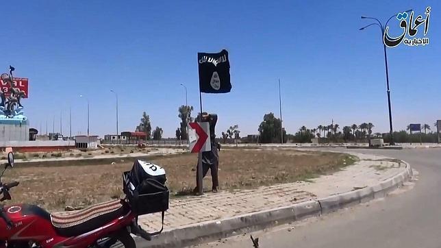 Estado Islámico quema viva a una mujer por no tener «sexo extremo» con un miliciano