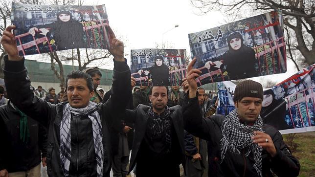 Condenados 11 policías por no defender a la afgana linchada acusada de quemar un Corán