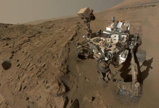 El rover Curiosity explora las rocas y el clima más antiguo de Marte. El hielo permite estudiar el clima más reciente