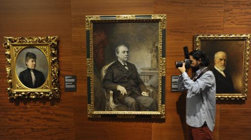 Grandes retratos entre ellos el de Cánovas