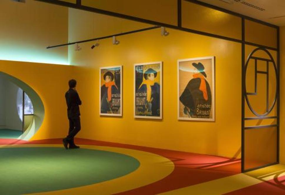 Tres retratos de Aristide Bruant cuelgan en la exposición