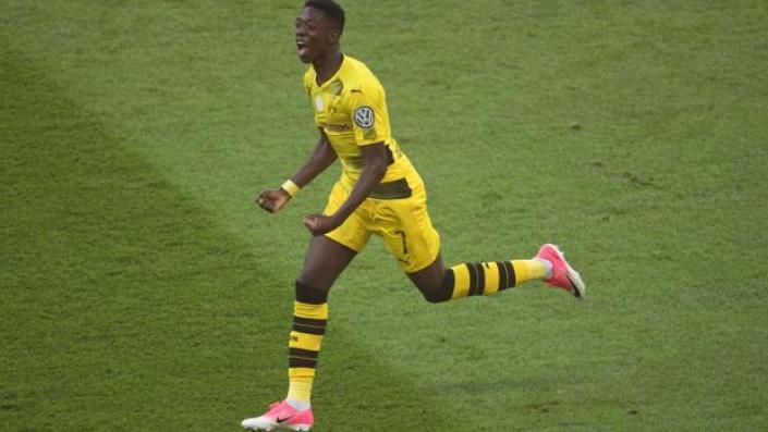 Ousmane Dembélé durante un partido con el Dortmund
