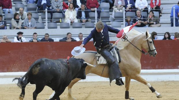 Fermín Bohorquez, en la plaza de toros de Vitoria