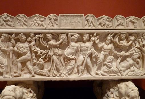 Representación de una bacanal romana en un sarcófago del siglo III