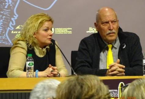Andreu Martín, durante la entrevista con Angelique Pfitzner