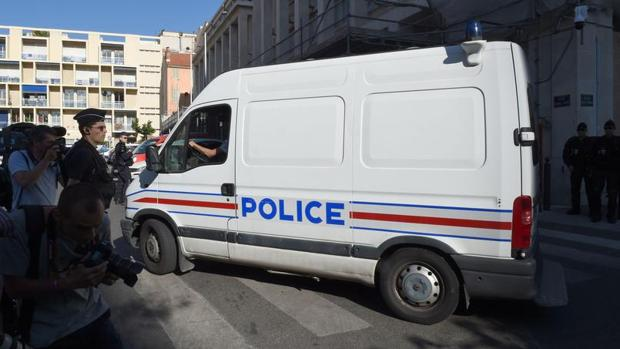 Un furgón de la policia francesa