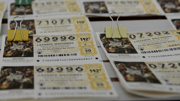 Falsificar un décimo de Lotería de Navidad es casi imposible