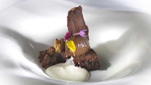 Cinco texturas de chocolate del restaurante Corral de la Morería Gastronómico