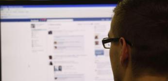 Mirar Facebook podría costar dinero más allá de la conexión si se aprueba el fin de la neutralidad en la Red