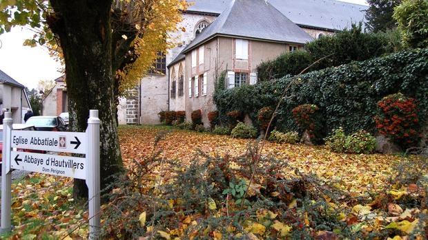 La abadía en la que vivió Dom Pérignon fue destruida en la Revolución Francesa. Permanece, eso sí, la iglesia