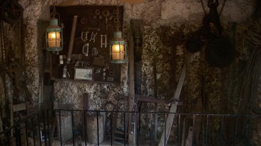 Interior de uno de los cuartos del «Castillo de Coral» (Florida)