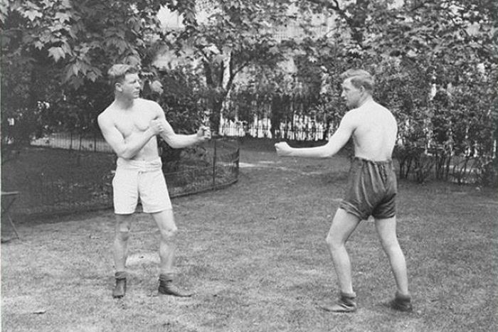Fred Hallam boxing in 1919