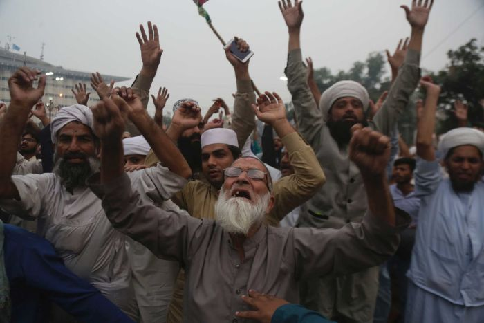 Protesters rally against blasphemy verdict in Pakistan