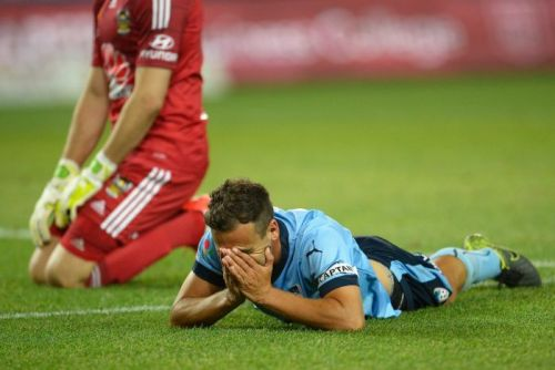 Alex Brosque reacts after missing a chance against Wellington