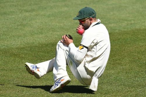 Nathan Lyon catches Tim Southee
