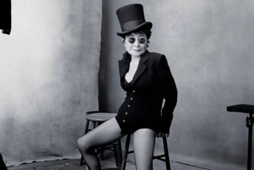 Yoko Ono's portrait for the 2016 Pirelli calendar