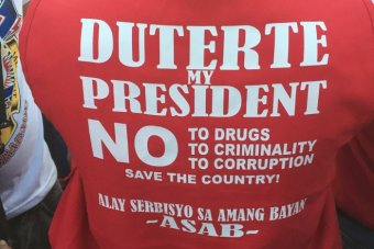 A person wearing a t-shirt supporting Philippines' presidential frontrunner Rodrigo Duterte.
