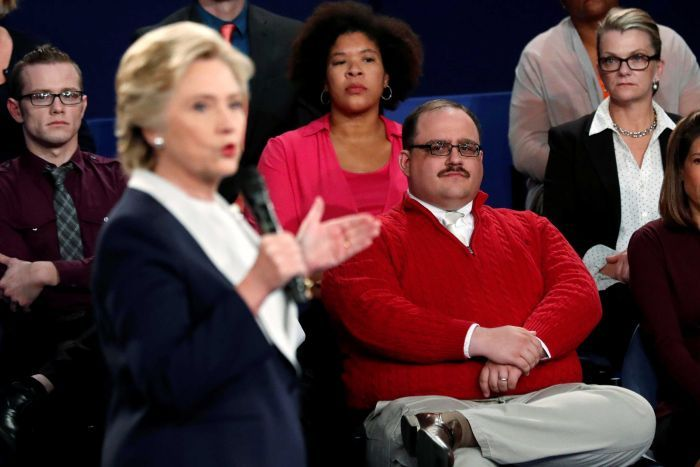 Ken Bone listening during US presidential debate