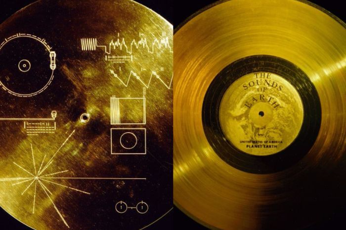 Composite of The Sounds of Earth discs sent into space on the Voyager space probe.